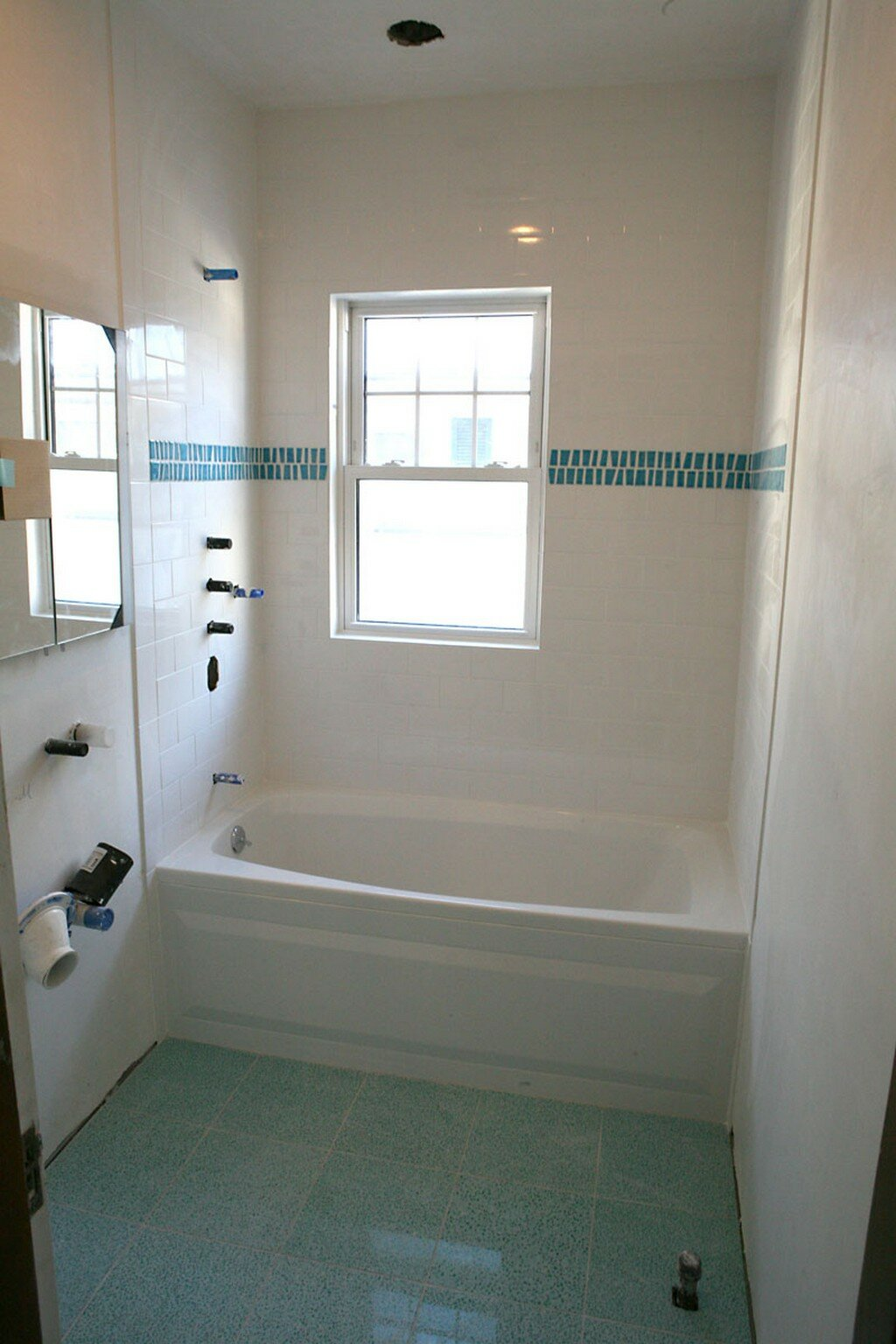 Small bathroom photos - Small bathroom pics ...